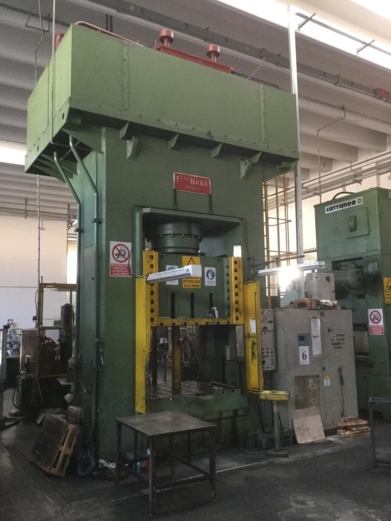 Vendita di pressa nava oleodinamica 600 t usato beni for Vendita presse usate