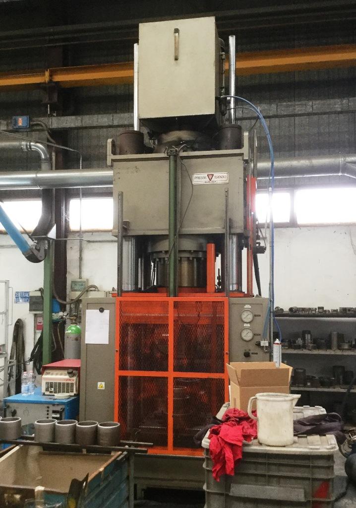 Vendita di pressa terenzio t 400 b s usato beni leasing for Vendita presse usate